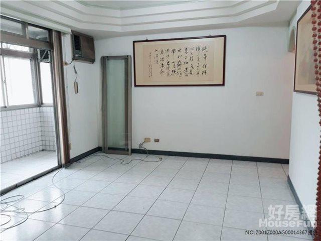 新埔超稀有公寓式電梯華廈~超低公設~有車位可停車