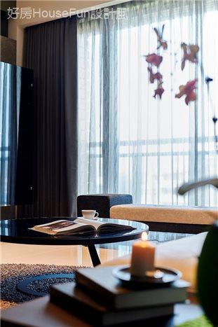 黑‧調 (織繪的現代時尚),客廳