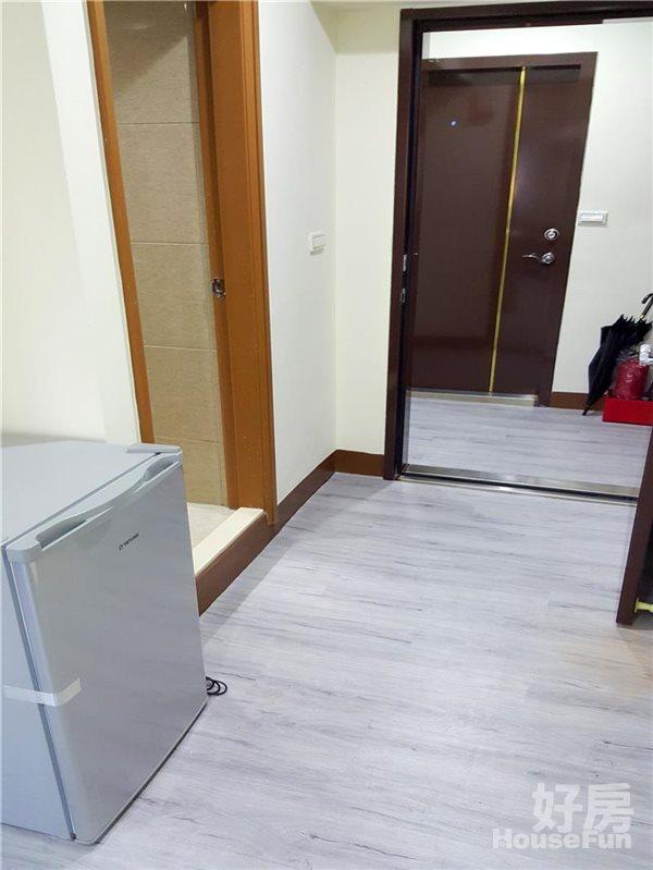好房網租屋-中平路環太東路東平路《電梯和室設備全新裝潢照片6