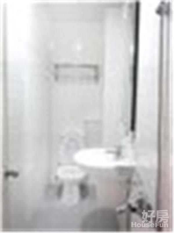 好房網租屋-火車站捷運R11出入口邊間有機位套房獨洗照片3