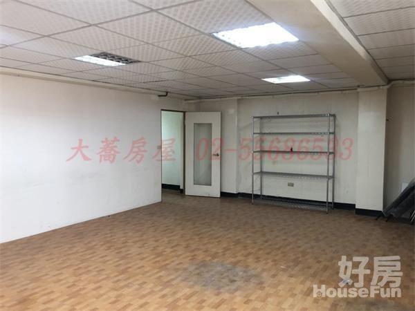 好房網租屋-近大橋頭捷運站~二樓辦公室照片5