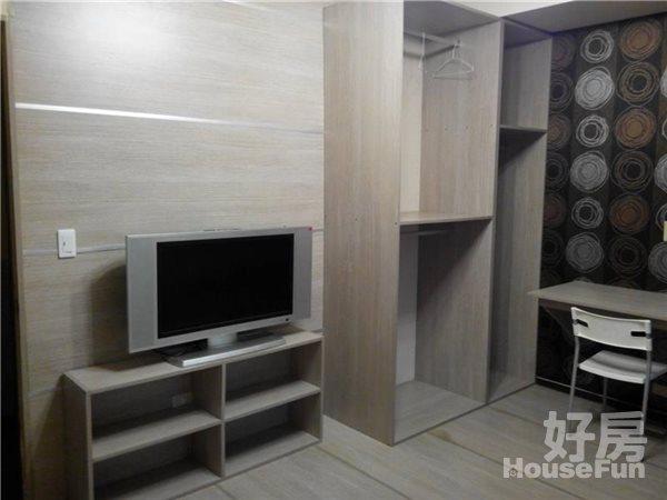 好房網租屋-可短租養寵物永和捷運超美房42寸液晶加大沙發照片5