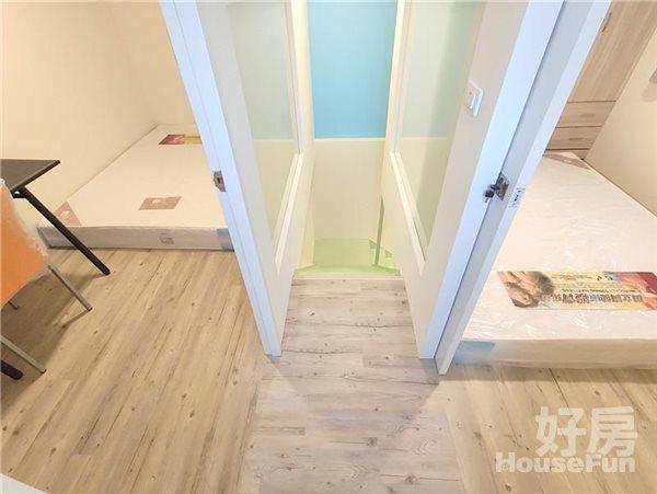 好房網租屋-【新光遠百/市政文心】全新樓中樓兩房木質雙採光沙發照片9