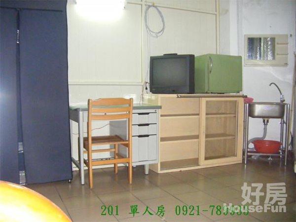 好房網租屋-大甲租屋雅房~包水電2800~4000元照片5