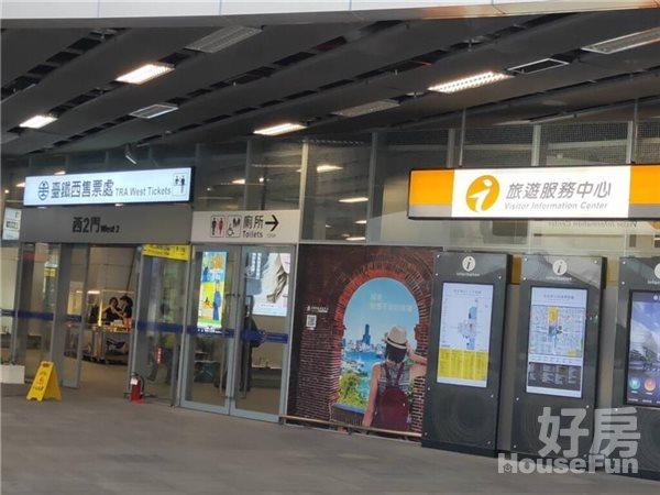 好房網租屋-火車站捷運R11出入口邊間有機位套房獨洗照片7